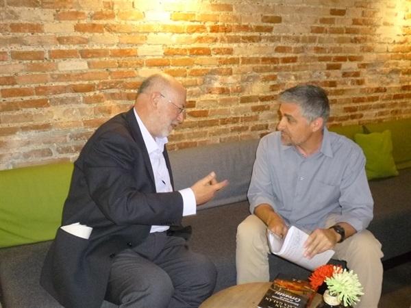 01.Bruno Montano de Trabalibros entrevista a Juan Eslava Galán