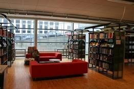 07.Biblioteca Tromso Noruega-Trabalibros