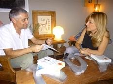 08.Bruno Montano entrevista a Reyes Monforte-Trabalibros