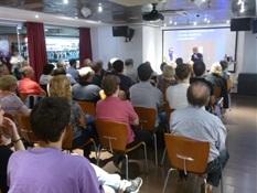 02.Bruno Montano presenta a Santiago Posteguillo-Trabalibros