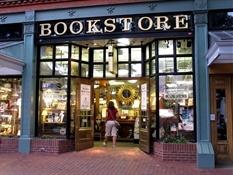 Suryavati en Boulder Bookstore(1)-Trabalibros
