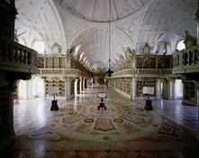 Biblioteca del Palacio Nacional de Mafra (Portugal)5-Trabalibros