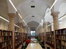Biblioteca pública Valencia calle Hospital(7)-Trabalibros