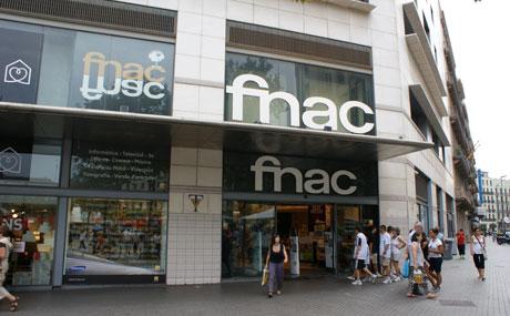 Fnac contratar nuevos empleados para la campa a de for Cajeros barcelona