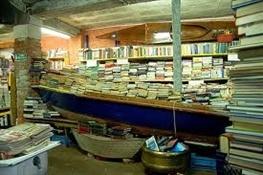 Librería Acqua Alta Venecia-Trabalibros (4)