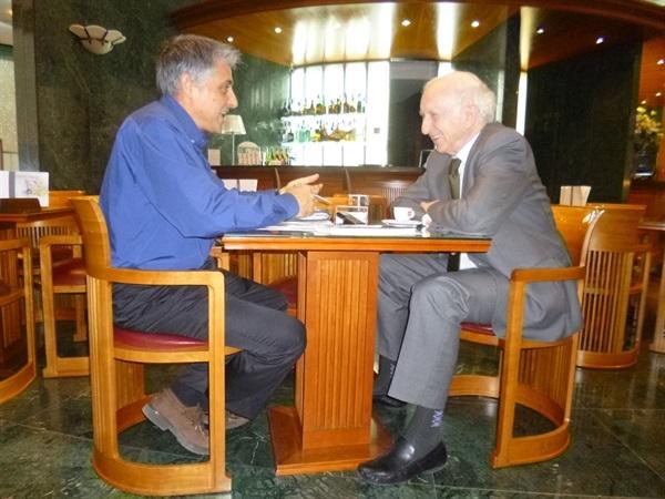 1.Bruno Montano de Trabalibros entrevista a Leopoldo Abadía