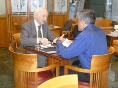 8.Bruno Montano de Trabalibros entrevista a Leopoldo Abadía