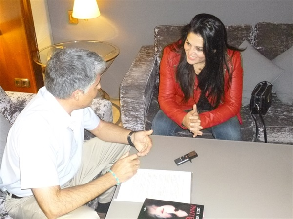1.Bruno Montano de Trabalibros entrevista a Lena Valenti