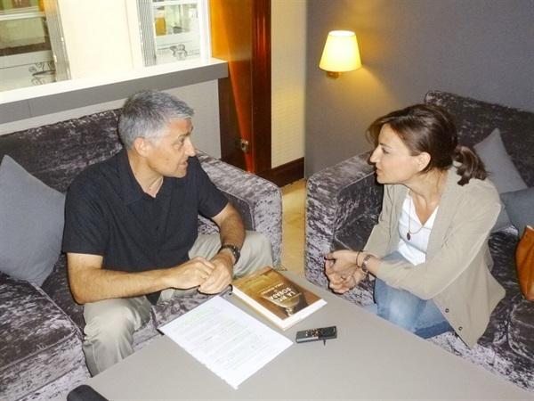1.Bruno Montano de Trabalibros entrevista a Carla Montero