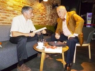 8.Bruno Montano de Trabalibros entrevista a Inocencio Arias